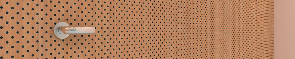 DotsT-D3192-puerta-y-pared